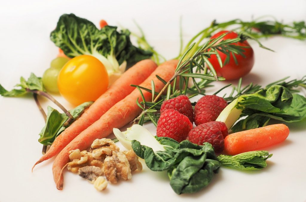 reduce cholesterol nutritionally clinical evidence